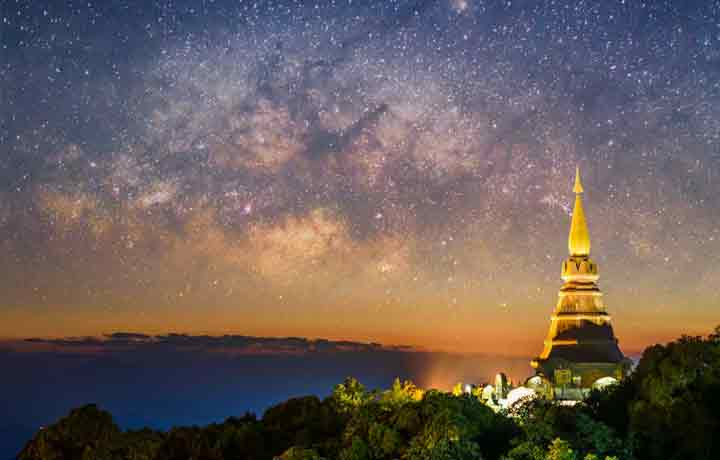 Doi Inthanon temples thailand at night